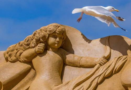 Una scultura di sabbia al Disney Sand Magic di Ostenda