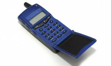 I 5 cellulari anni 90 che valgono una fortuna