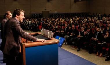 Concorsi pubblici e università, Salvini vuole abolire il valore legale della laurea