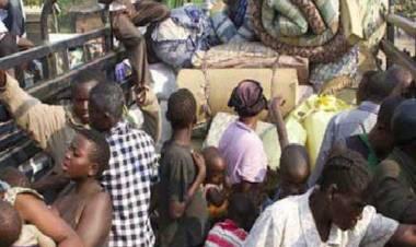 """Ebola: virus inarrestabile in Congo, la nazione che """"esporta"""" più rifugiati"""