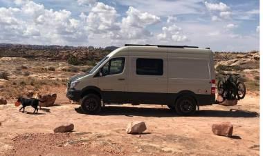 La seconda vita dei furgoni: le trasformazioni più curiose e utili