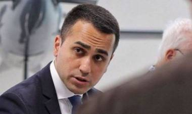 """Migranti, Di Maio: """"Presentiamo decreto che non urla ma fa i fatti"""""""