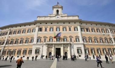 Carcere per gli evasori, il dl Fisco incassa il via libera in commissione. Maggioranza divisa