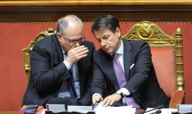 Mes: sì al salva Stati, ma M5S a pezzi. Di Maio contro Salvini