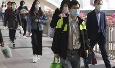 Coronavirus, atterrato a Pratica di mare l'aereo con i 56 italiani da Wuhan