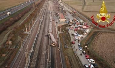 """Incidente Frecciarossa: morti due macchinisti, 31 feriti. Procura indaga per omicidio colposo plurimo: """"Scambio era in posizione sbagliata"""""""