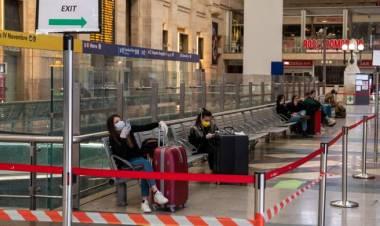 Spostamenti tra Regioni dal 3 giugno, per Lombardia e Piemonte il rischio di stare chiusi una o due settimane in più