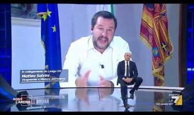 """Salvini: """"Spero di chiudere tutti i campi rom con lucchetto"""""""