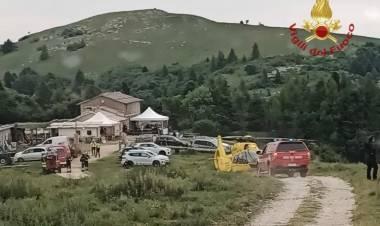 Crolla il tetto di una ghiacciaia: morti due bambini, altri due feriti