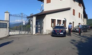"""Piossasco, ucciso in casa davanti a moglie e figlio: arrestati tre albanesi. Tutti irregolari, uno """"espulso"""""""