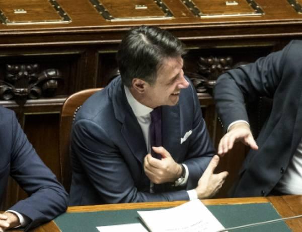 """Manovra, trovata l'intesa a Palazzo Chigi: """"Ecotassa per auto di lusso e Suv. Bonus per ibride. Ok a taglio pensioni d'oro"""""""