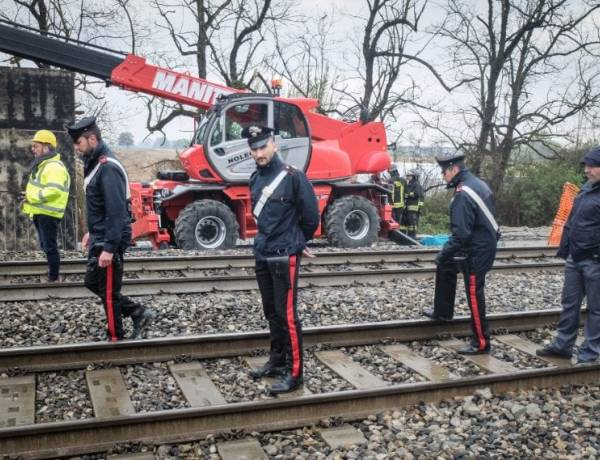 Due operai sono morti in un incidente avvenuto in un cantiere a Pieve Emanuele, in provincia di Milano