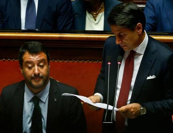 Matteo Salvini assume poliziotti, Giuseppe Conte e il Pd si intestano il merito