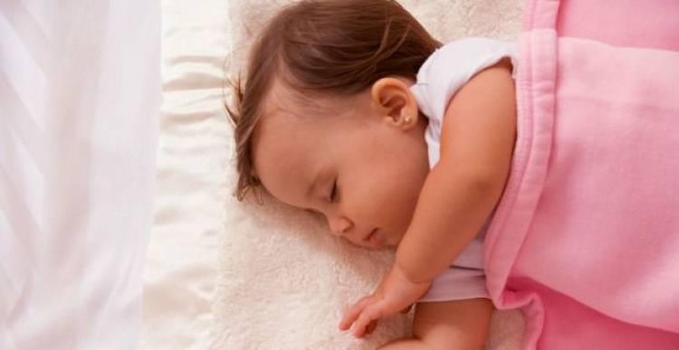 A che età è giusto fare i buchi alle orecchie alle bambine?