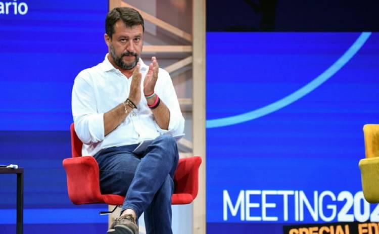 Lega, le inchieste non spostano un voto: i sondaggisti fanno sorridere Matteo Salvini prima delle regionali